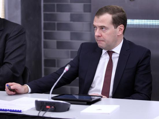 Администрация Трампа доказала свою несамостоятельность— Медведев