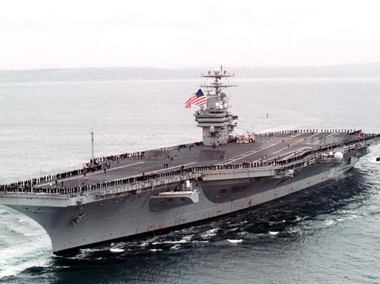 В Сеуле объяснили внезапный разворот американского авианосца: защитит от КНДР