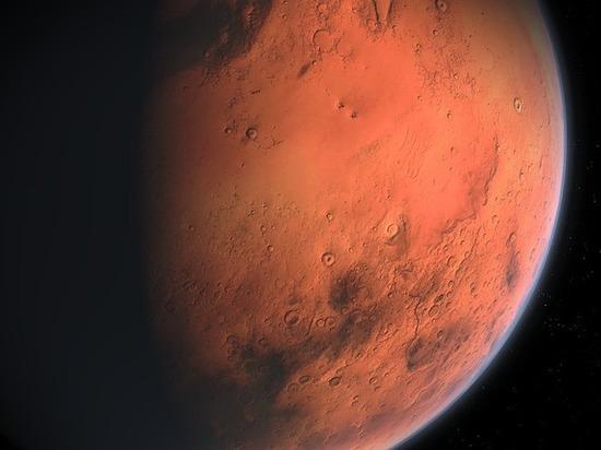 Большинство россиян считает, что Россия должна покорить Марс первой