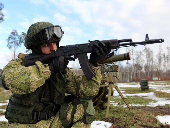 Российская армия не будет защищать сирийских военных, заявил депутат Госдумы