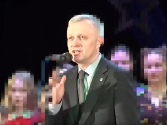 Глава уральского города посвятил «зажигательный смех» квнщиков жертвам теракта