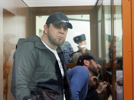 Обвиняемые в убийстве Немцова требуют отвода судьи
