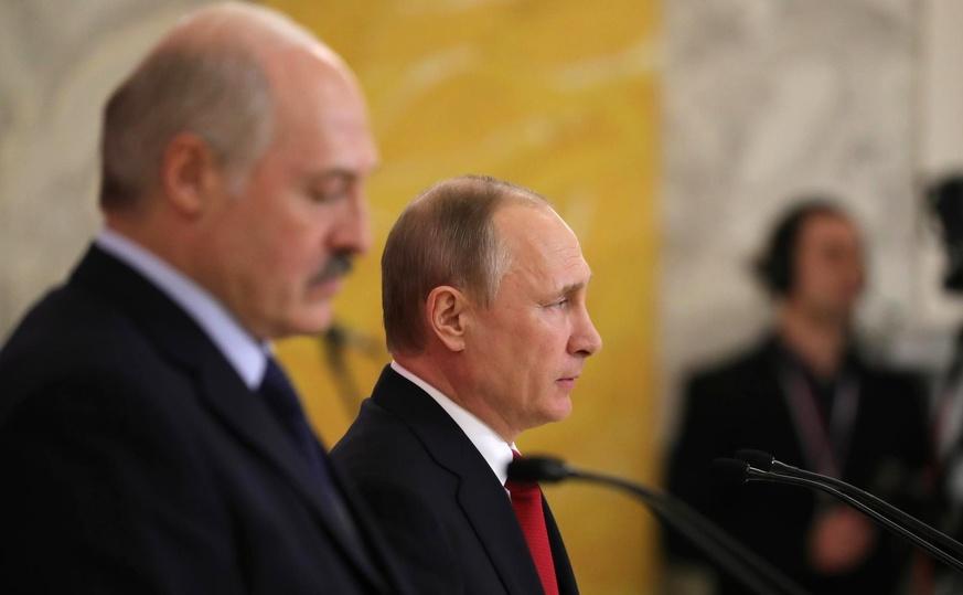 Лукашенко попал в долговую «вилку» с Россией: придется расплачиваться