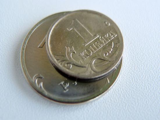 «Нервяк» на рынке: рубль приготовился к прыжку в неизвестность