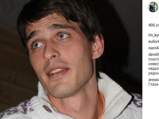 Выпавшего из окна актера Василия Степанова пришлось госпитализировать принудительно
