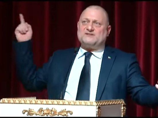 """Чеченский министр призвал Муратова извиниться за """"омерзительную чушь"""" о геях"""