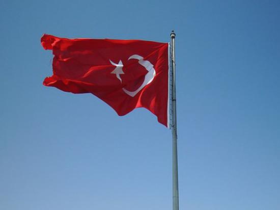 Если б я был султан: в Турции начался исторический референдум