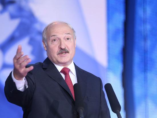 Лукашенко на Пасху пообещал белорусам переломный год и преодоление бед