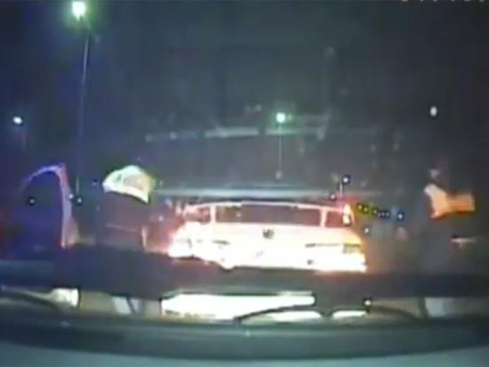 Появилось видео погони и стрельбы по машине пьяной автоледи из Ангарска