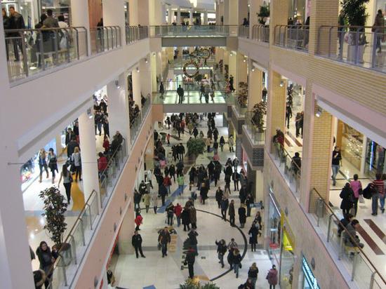В Москве перестали строить торговые центры фото