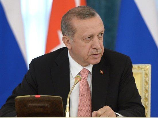 «Эрдоган продолжает концентрировать власть»: как турецкий референдум отразится на России