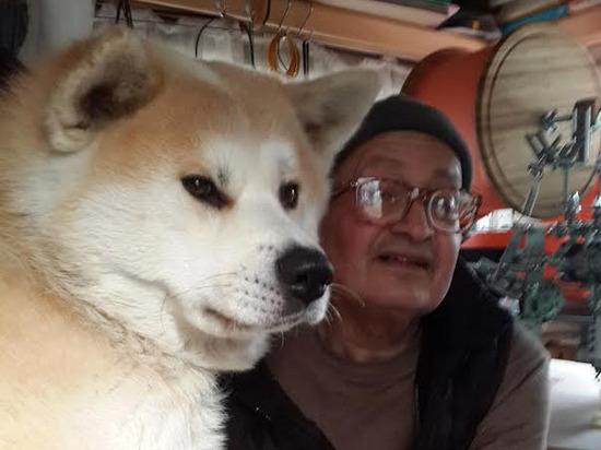 """Радиофизик с собакой шесть лет обитают а автоприцепе: """"Зиму плохо пережили"""""""