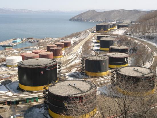 Цены на нефть рвутся к $65 за баррель