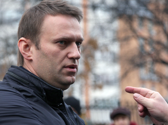 Навальный собрал 300 тысяч подписей, необходимых для регистрации кандидатом впрезидентыРФ