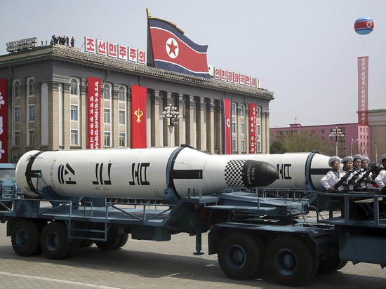 СМИ заподозрили, что ракеты КНДР могут быть деревянными муляжами