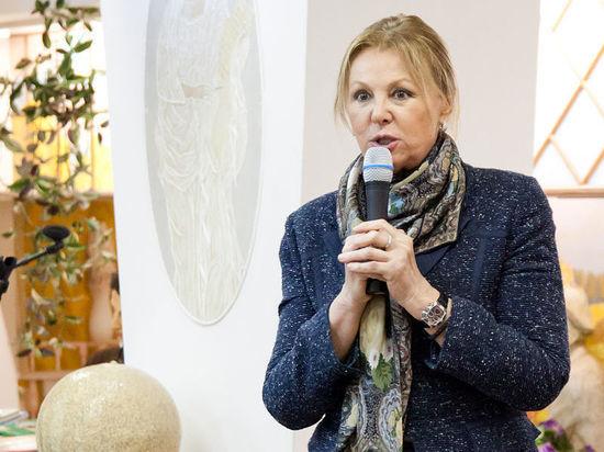 Актриса Наталья Селезнева развеяла слухи о своей госпитализации