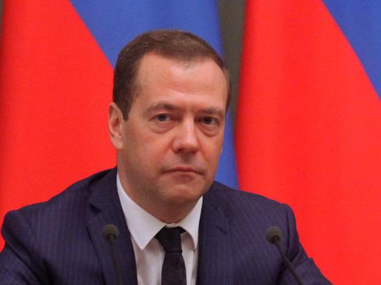 «Без жестких вопросов»: Дума решила не беспокоить Медведева темой коррупции