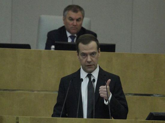 Медведев прокомментировал Думе обвинения Навального, подчеркнуто не назвав имени
