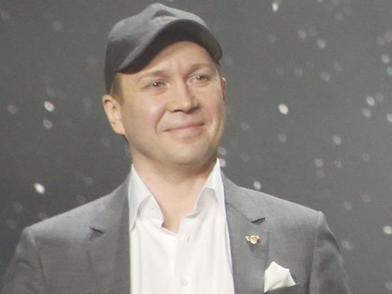 На «Золотой маске» Евгений Миронов поздравлял лауреатов в образе Ленина