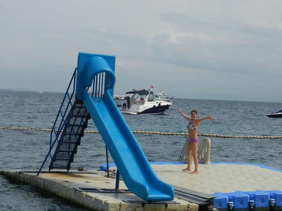 Манит берег турецкий: куда россияне поедут на майские праздники