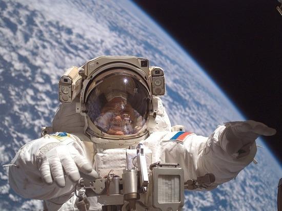 Рекордсмен попребыванию наорбите Геннадий Падалка принял решение покинуть отряд космонавтов