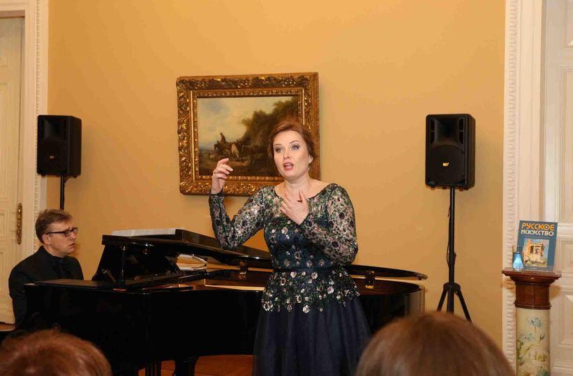 В резиденции посла Греции в Москве исполняли Чайковского и Равеля