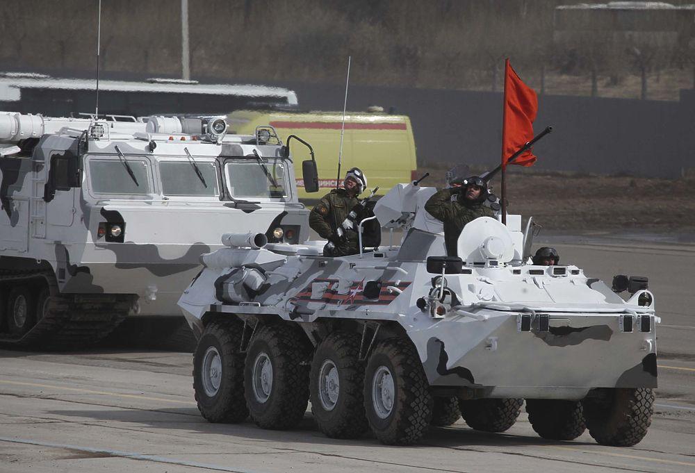 На военном полигоне Алабино состоялась финальная репетиция парада Победы.