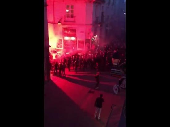 """""""Ночь баррикад"""" в Париже: поджоги, драки с полицией, пострадавшие"""