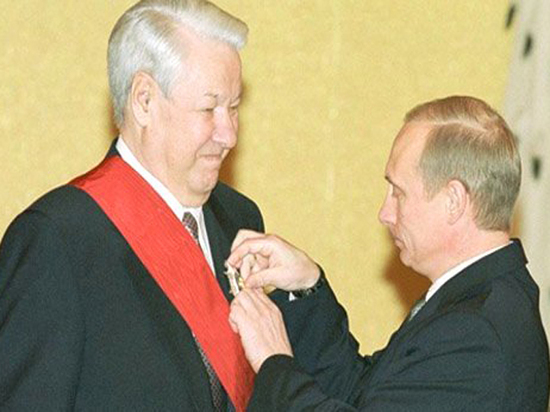 Десять лет без Ельцина: о чем промолчал Путин, но рассказал Хасбулатов