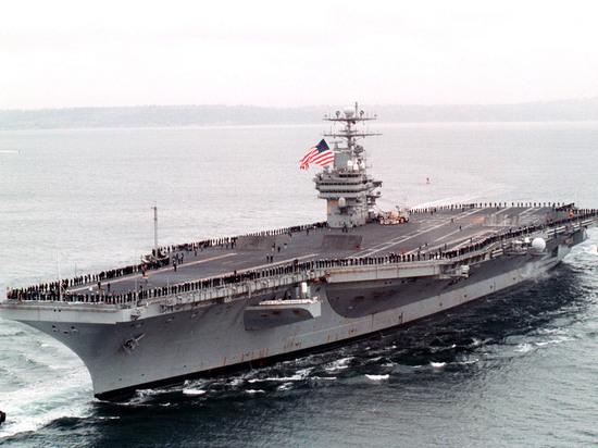 "КНДР пригрозила потопить ""грязное животное"" авианосец США ""Карл Винсон"""