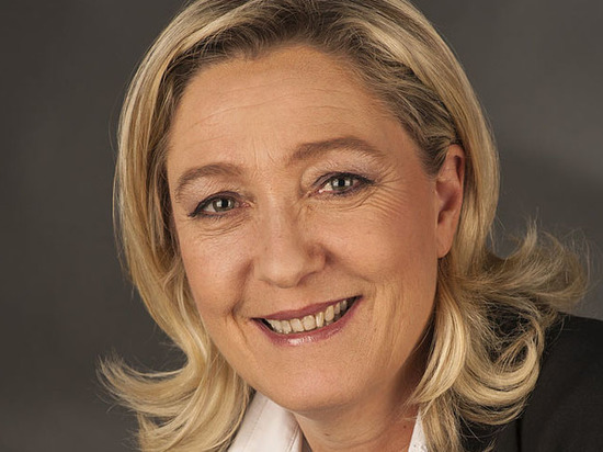 Марин Ле Пен после первого тура выборов назвала Макрона слабаком
