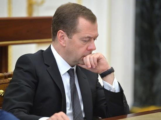 "Директор ""Левада-Центра"" потребовал извинений от пресс-секретаря Медведева"