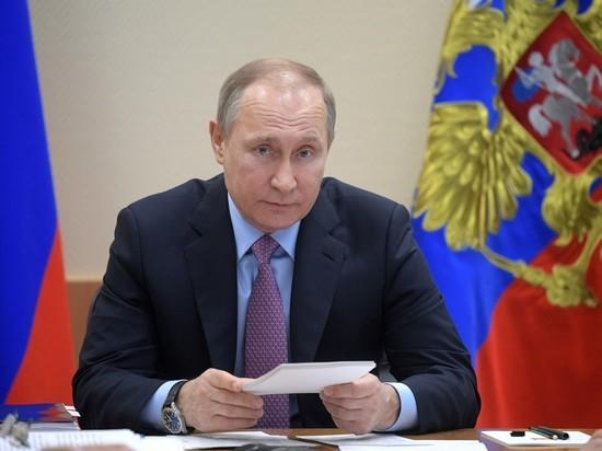 Путин попросил Медведева «воспитать» Мединского из-за сексизма