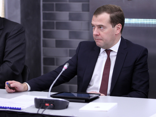 Источники Bloomberg поведали отревоге Медведева