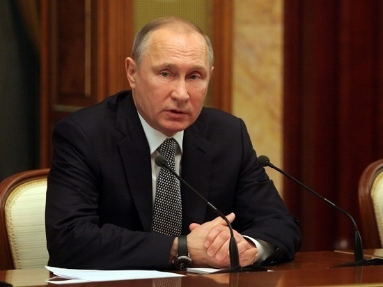 СМИ узнали тему тайных переговоров В. Путина иПорошенко
