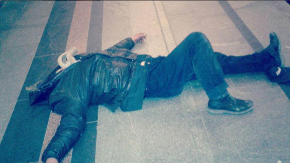 В Москве сотрудник полиции Елена И., широко известная в узких кругах как Лена Пипец, завела блог в соцсети. В нем она публикует фото пьяных пассажиров и бомжей, сопровождая публикации хэштегами вроде #хаха, #ржач и #вхлам и назидательно-уничижительными подписями