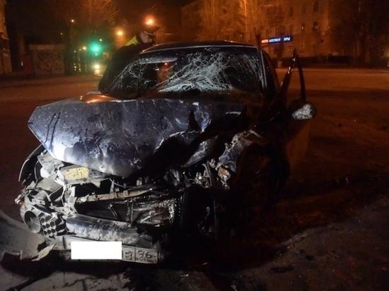 В центре Екатеринбурга в ДТП пострадали четыре человека