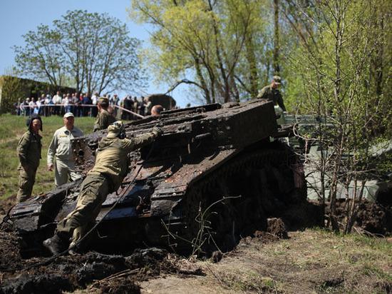 Со дна Дона подняли американский танк, немецкую самоходку и трактор