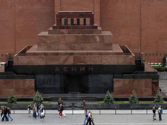 Главный раввин России назвал абсурдом захоронение Ленина в мавзолее