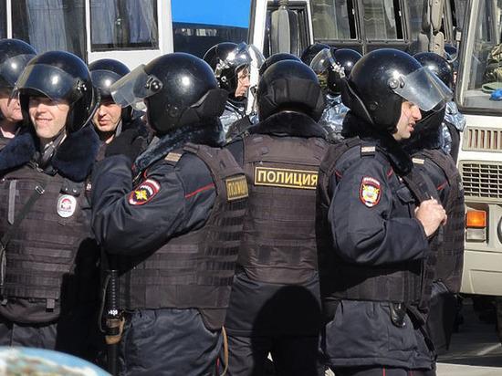 «Тебя изымет группа быстрого реагирования»: завуч запретила школьникам уличные протесты