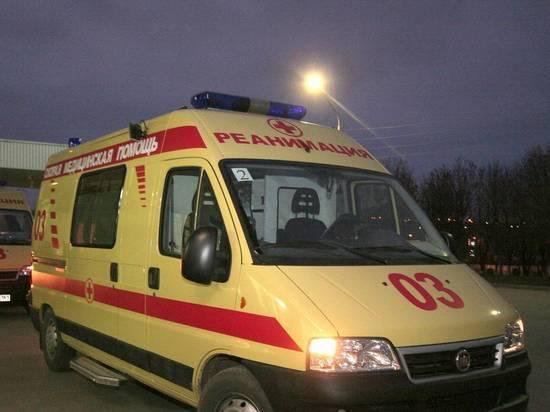 Водитель и пассажиры такси скончались после столкновения с фурой на МКАД