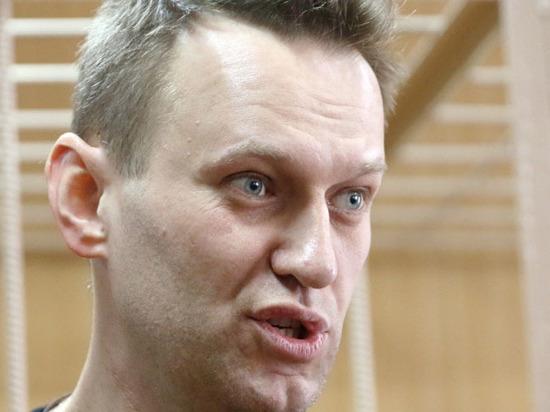 Навальному дали право выбора: бежать из России или бороться за власть