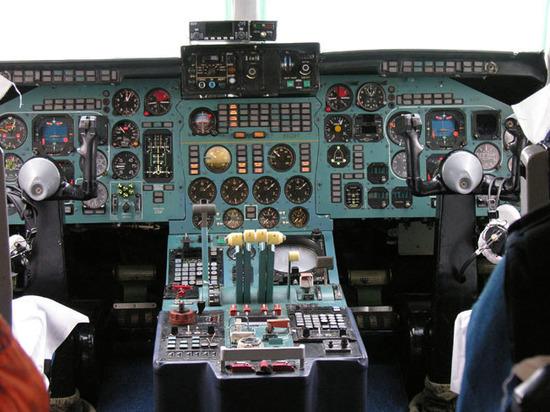 """""""Некому будет летать"""": пилоты пожаловались на массовое аннулирование лицензий Росавиацией"""