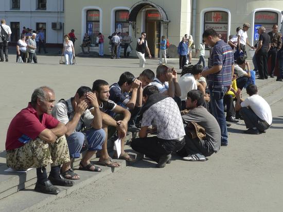 Московские таджики пообещали выйти на «Бессмертный полк» вопреки позиции Душанбе