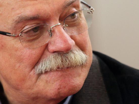 Михалкова не хотят пускать на Урал из-за нападок на «Ельцин-центр»