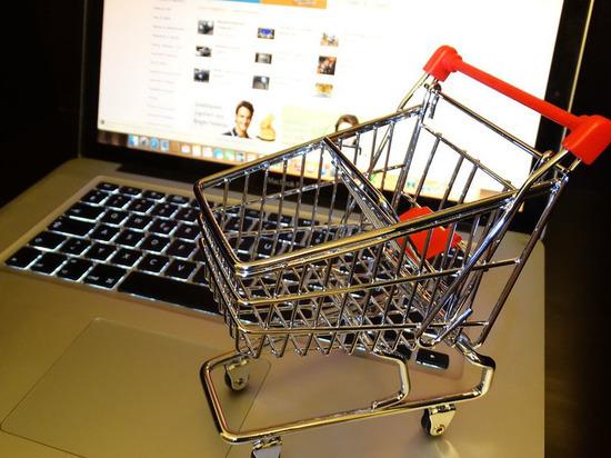 """Зарубежные покупки россиян по интернету решили """"задавить"""" новыми пошлинами"""