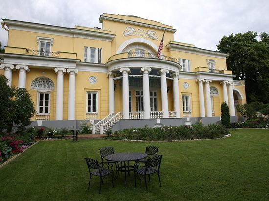 СМИ узнали о возможном аресте московской резиденции посла США