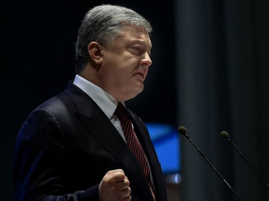 «Порываем с постсоветским прошлым»: Порошенко объявил об утверждении безвиза Евросоюзом