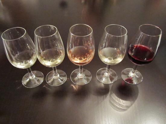 Россияне могут лишиться импортного вина из-за приказа Минфина