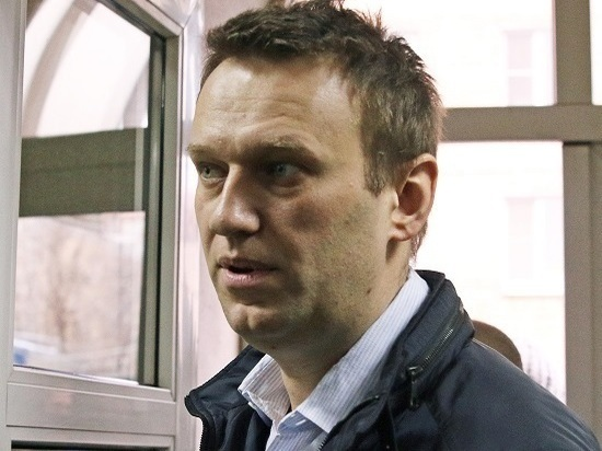 Навальный рассказал, как написал письмо в Кремль о загранпаспорте